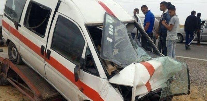 """Décès d'une femme dans une collision entre un taxi """"Louage"""" et une voiture algérienne"""