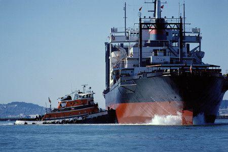 Les P&I Clubs : La responsabilité des armateurs Un P&I club est une association d'assureurs maritimes à but non lucratif. C'est un groupe d'armateurs qui couvrent mutuellement leurs risques de responsabilité civile.